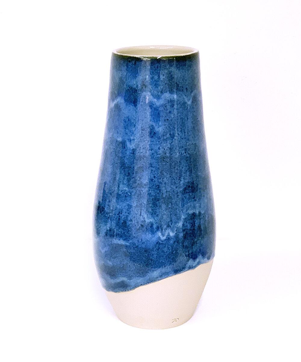 Vase aus Steinzeug von Hand gedreht